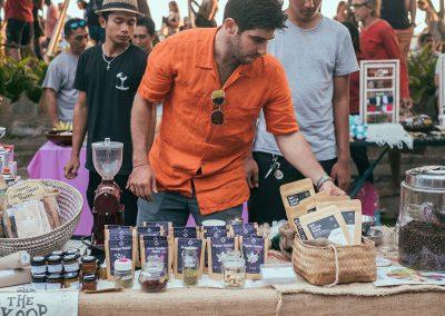 la-laguna-bali-sunday-market-vendors-guest-4